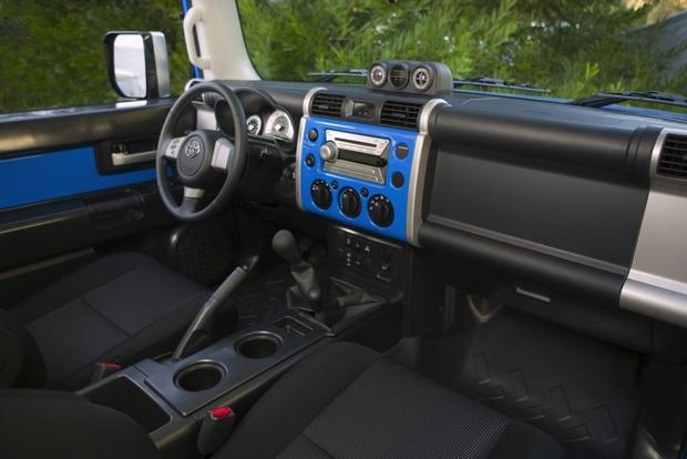 2007 2012 Toyota Fj Cruiser Used Car Review Autotrader