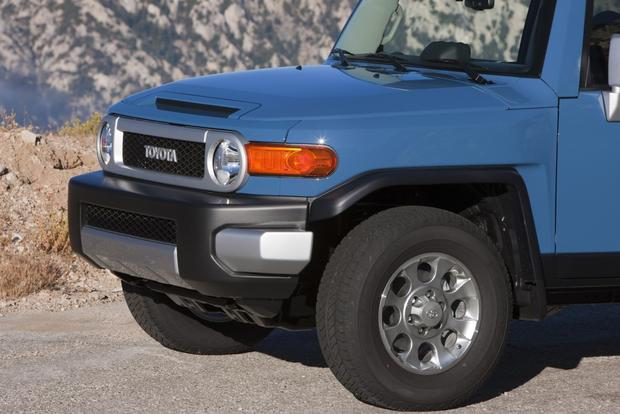 2014 Toyota FJ Cruiser: New Car Review featured image large thumb1
