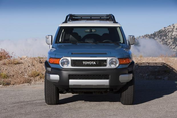 2014 Toyota FJ Cruiser: New Car Review featured image large thumb2