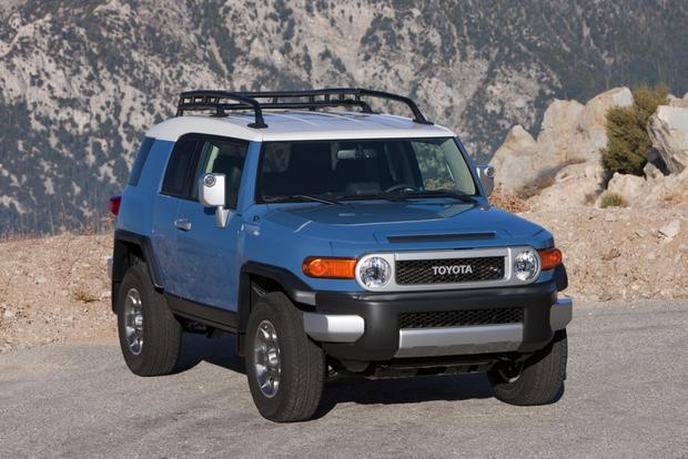 2014 Toyota FJ Cruiser: New Car Review featured image large thumb3