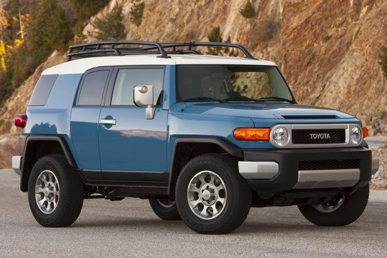2013 Toyota FJ Cruiser: New Car Review featured image large thumb0
