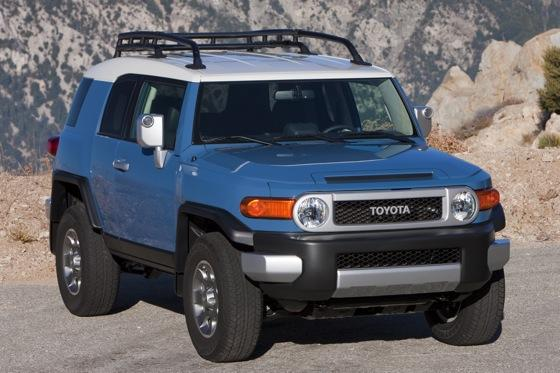2013 Toyota FJ Cruiser: New Car Review featured image large thumb2