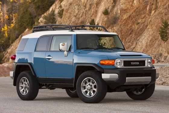 2013 Toyota FJ Cruiser: New Car Review featured image large thumb3
