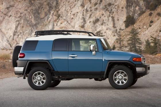 2013 Toyota FJ Cruiser: New Car Review featured image large thumb4