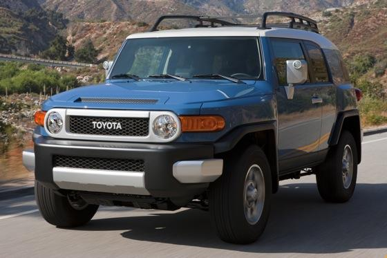 2013 Toyota FJ Cruiser: New Car Review featured image large thumb13