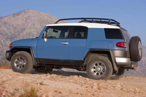 2013 Toyota FJ Cruiser: New Car Review featured image large thumb14