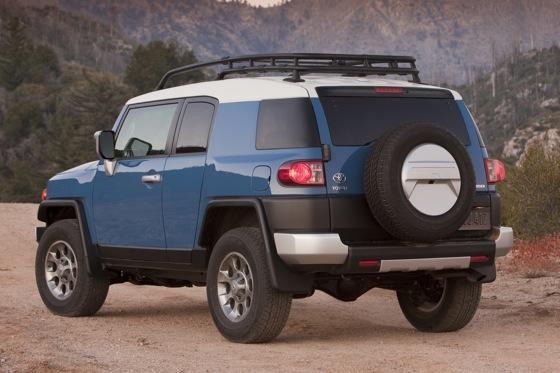 2013 Toyota FJ Cruiser: New Car Review featured image large thumb17