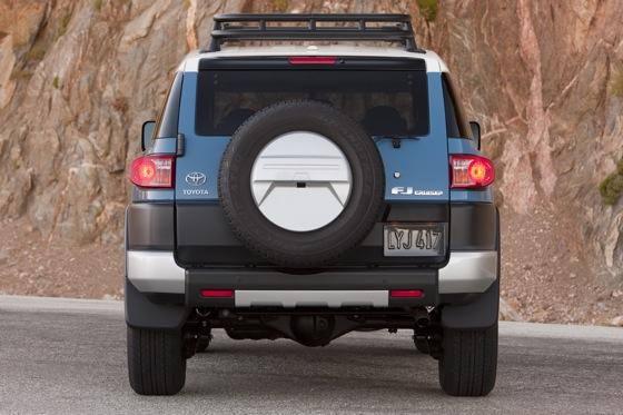 2013 Toyota FJ Cruiser: New Car Review featured image large thumb19