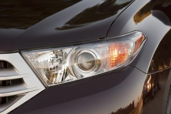 2012 Toyota Highlander: OEM Image Gallery featured image large thumb22