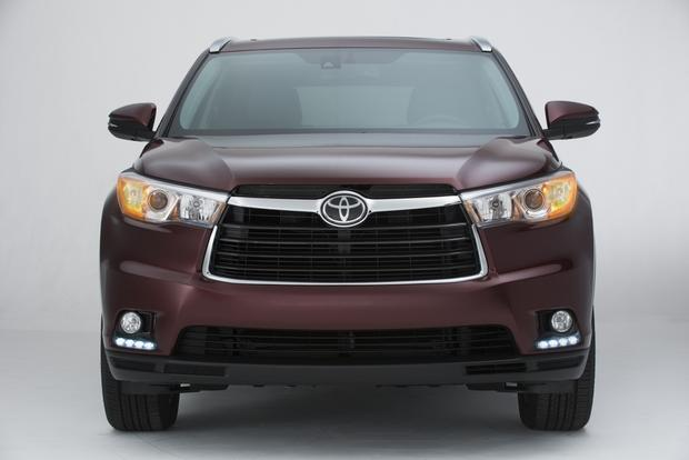 2014 Toyota Highlander vs. 2014 Lexus RX: What's the Difference? featured image large thumb2