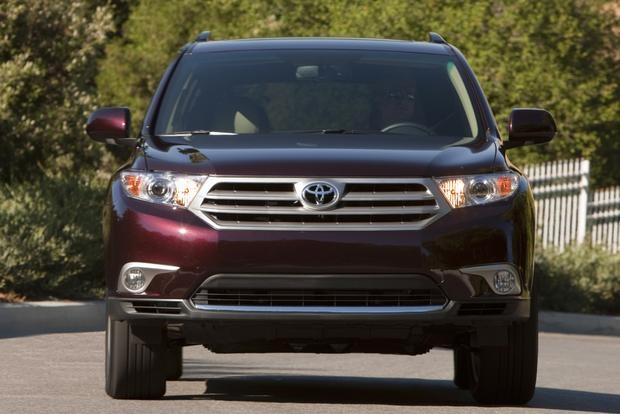 2013 vs. 2014 Toyota Highlander: What's the Difference? featured image large thumb5