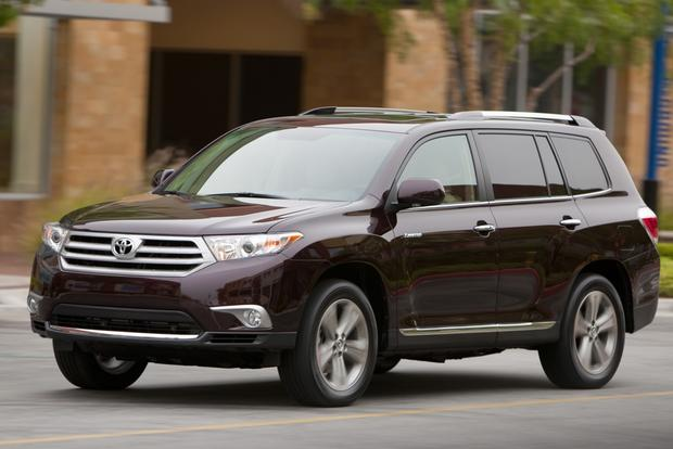 2013 vs. 2014 Toyota Highlander: What's the Difference? featured image large thumb7