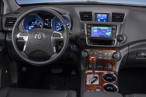 2013 vs 2014 toyota highlander what s the difference autotrader