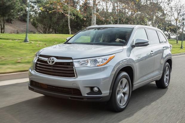 2014 Toyota Highlander vs. 2014 Ford Explorer: Which Is Better? featured image large thumb3