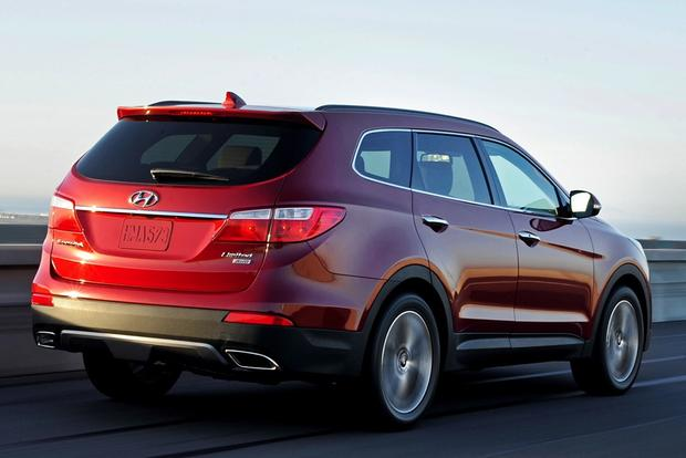 2014 Toyota Highlander vs. 2014 Hyundai Santa Fe: Which Is Better? featured image large thumb1