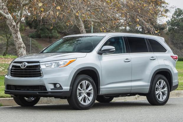 2014 Toyota Highlander vs. 2014 Hyundai Santa Fe: Which Is Better? featured image large thumb2
