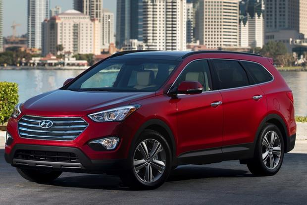 2014 Toyota Highlander vs. 2014 Hyundai Santa Fe: Which Is Better? featured image large thumb3