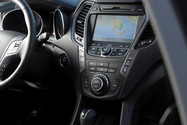 2014 Toyota Highlander vs. 2014 Hyundai Santa Fe: Which Is Better