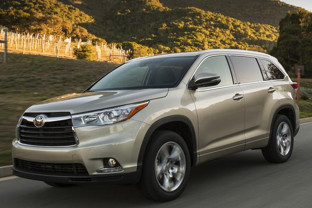 2014 Toyota Highlander vs. 2014 Chevrolet Traverse: Which Is Better?