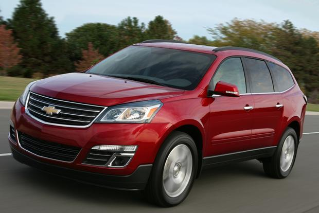 2014 Toyota Highlander vs. 2014 Chevrolet Traverse: Which Is Better? featured image large thumb11