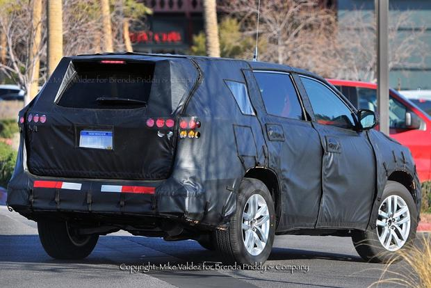 2014 Toyota Highlander: New York Auto Show Preview featured image large thumb3