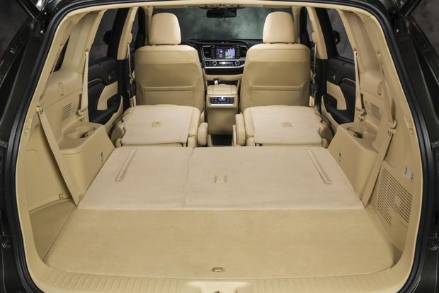 2014 Toyota Highlander vs. 2014 Nissan Pathfinder: Which Is Better? featured image large thumb3