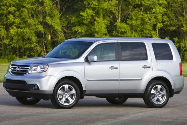 2014 Toyota Highlander vs. 2014 Honda Pilot: Which Is Better? featured image large thumb7