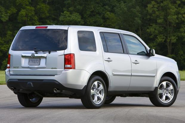 2014 Toyota Highlander vs. 2014 Honda Pilot: Which Is Better? featured image large thumb6