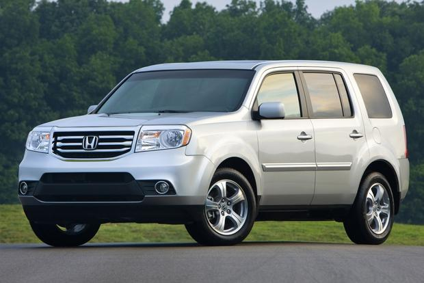 2014 Toyota Highlander vs. 2014 Honda Pilot: Which Is Better? featured image large thumb5