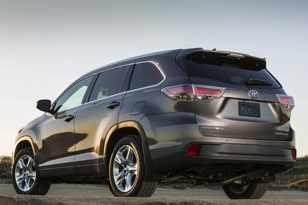2015 Toyota Highlander: New Car Review featured image large thumb2