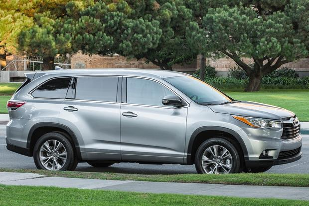 2015 toyota highlander new car review autotrader. Black Bedroom Furniture Sets. Home Design Ideas
