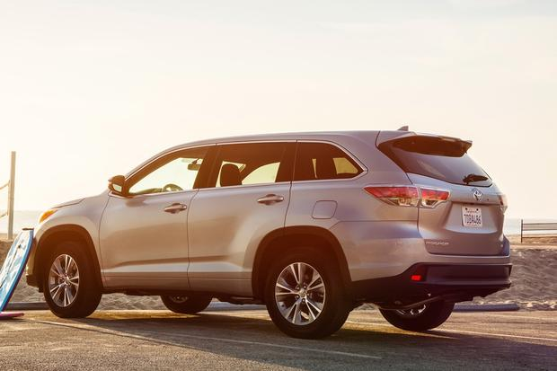 2015 Toyota Highlander: New Car Review featured image large thumb4