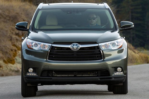2015 Toyota Highlander Hybrid: New Car Review featured image large thumb2