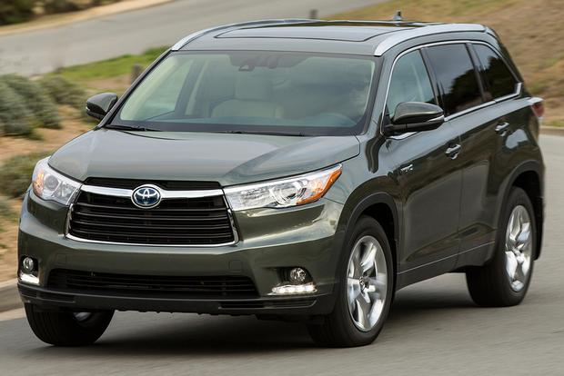 2015 toyota highlander hybrid new car review autotrader. Black Bedroom Furniture Sets. Home Design Ideas