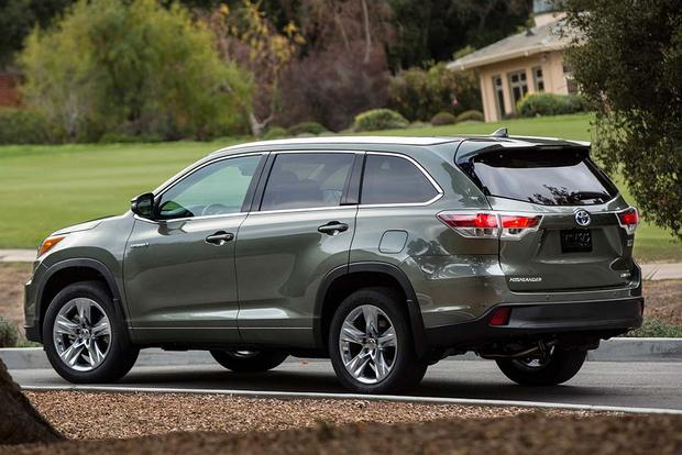 2016 Toyota Highlander Hybrid New Car Review Featured Image Large Thumb5