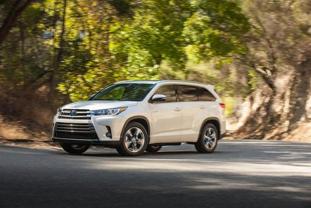 2017 Toyota Highlander Hybrid: New Car Review featured image large thumb1