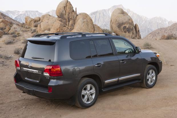 2013 Toyota Land Cruiser: OEM Image Gallery featured image large thumb2
