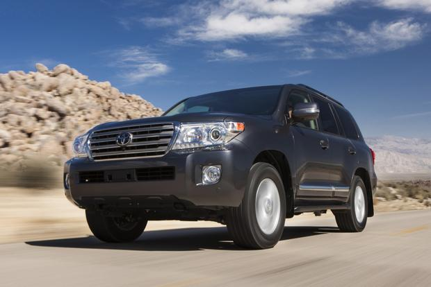 2014 Toyota Land Cruiser: New Car Review featured image large thumb1