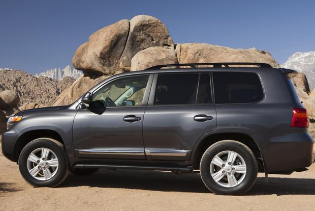 2015 Toyota Land Cruiser: New Car Review featured image large thumb1