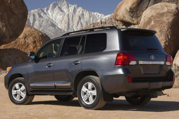 2015 Toyota Land Cruiser: New Car Review featured image large thumb2