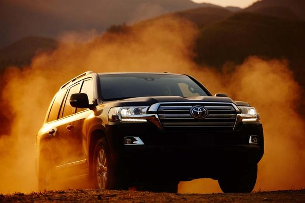 2016 Toyota Land Cruiser: New Car Review