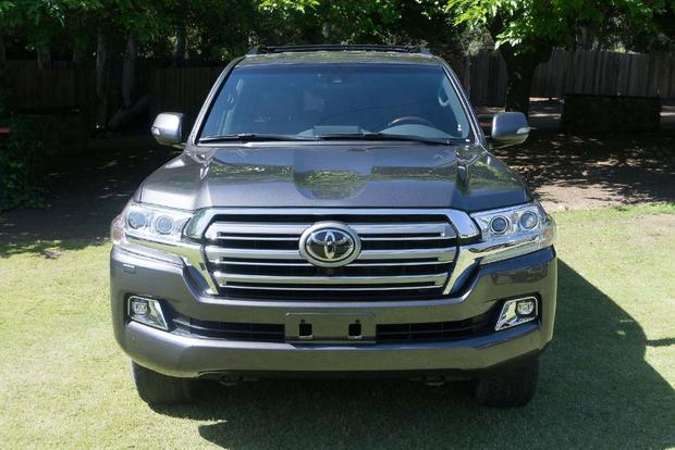 2016 Toyota Land Cruiser: Real World Review featured image large thumb2