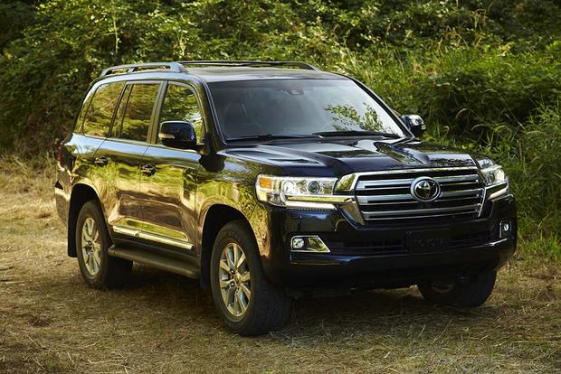 2016 Toyota Land Cruiser vs. 2016 Lexus LX 570: What's the Difference? featured image large thumb11