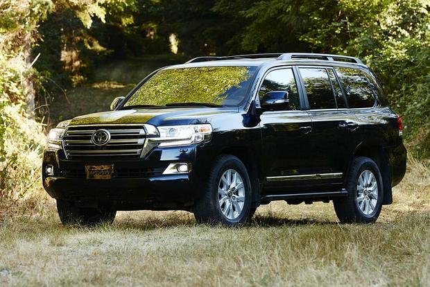 2016 Toyota Land Cruiser vs. 2016 Lexus LX 570: What's the Difference? featured image large thumb3
