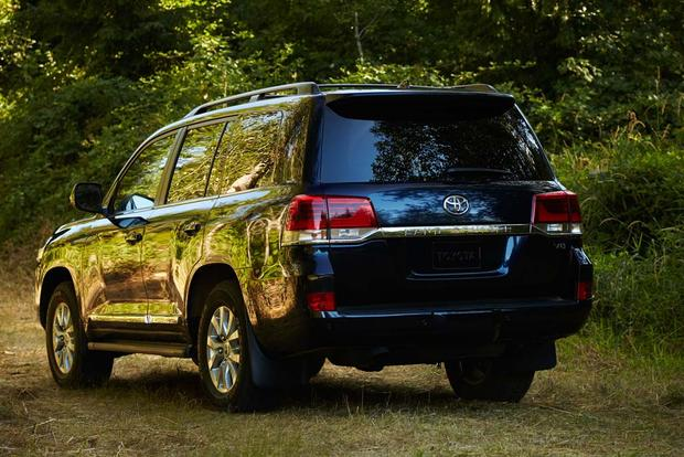 2017 Toyota Land Cruiser: New Car Review featured image large thumb5