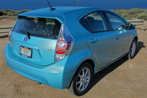 2013 Toyota Prius C: New Car Review featured image large thumb11