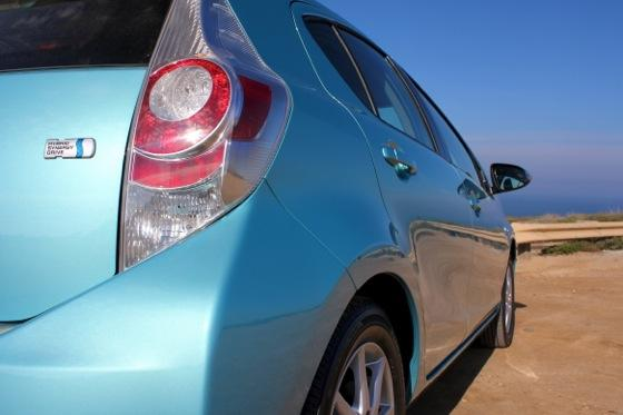 2013 Toyota Prius C: New Car Review featured image large thumb12