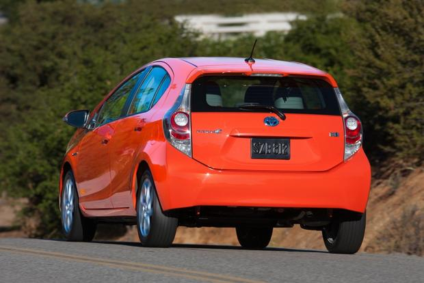 2014 Toyota Prius c: New Car Review featured image large thumb2