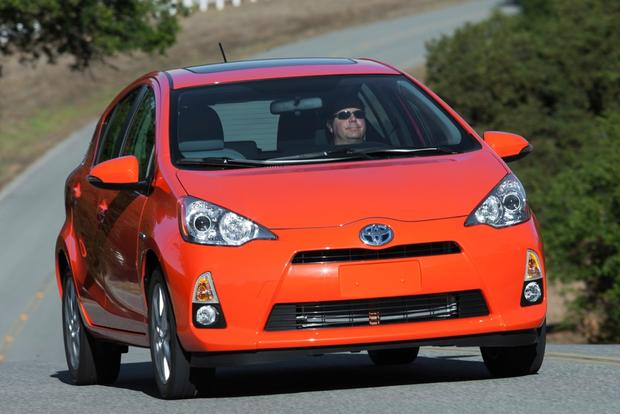 2014 Toyota Prius c: New Car Review featured image large thumb4