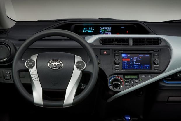 2014 Toyota Prius c: New Car Review featured image large thumb7